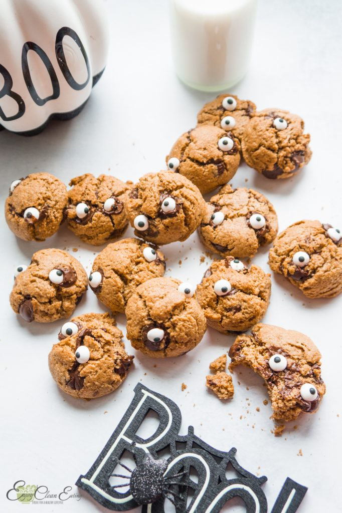 Healthy oatmeal monster cookies