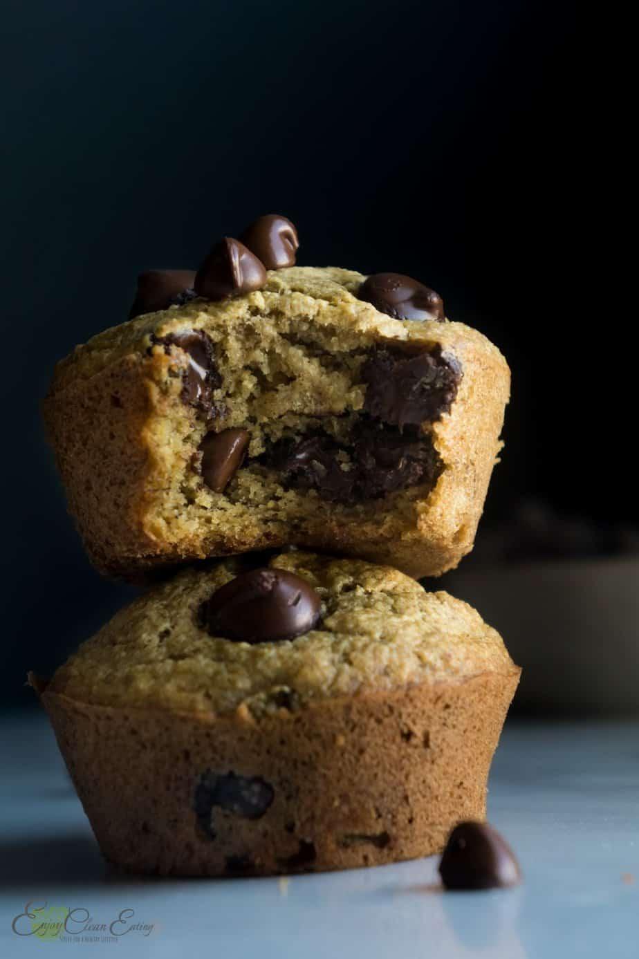 oat flour banana bread cupcakes