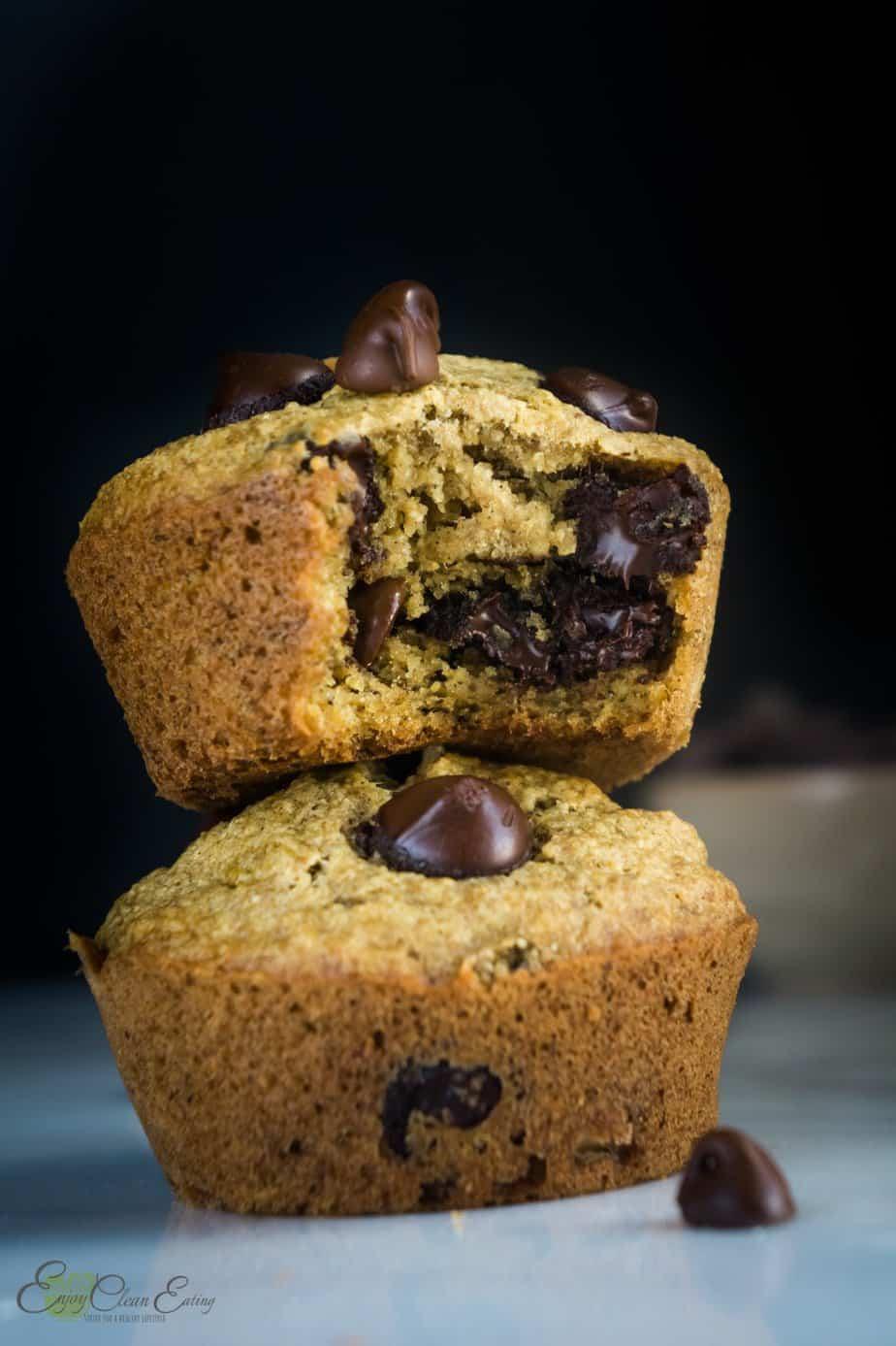 chocolate chips banana oatmeal cupcakes