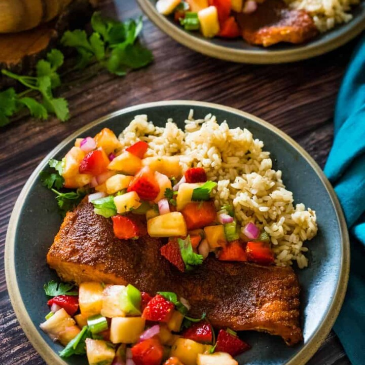 air fryer salmon with pineapple salsa and brown rice