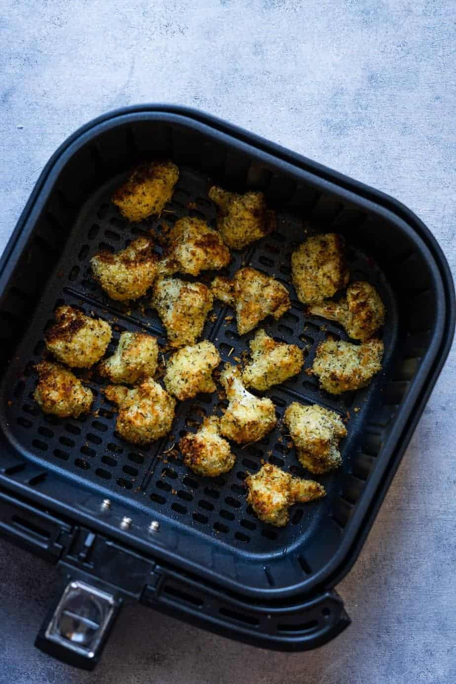 perfectly crispy cauliflower after roasting in the hot air fryer