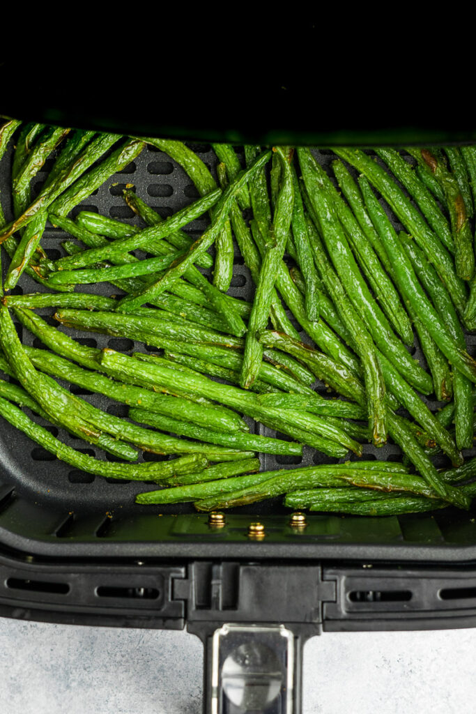 Delicious green beans made in the air fryer.